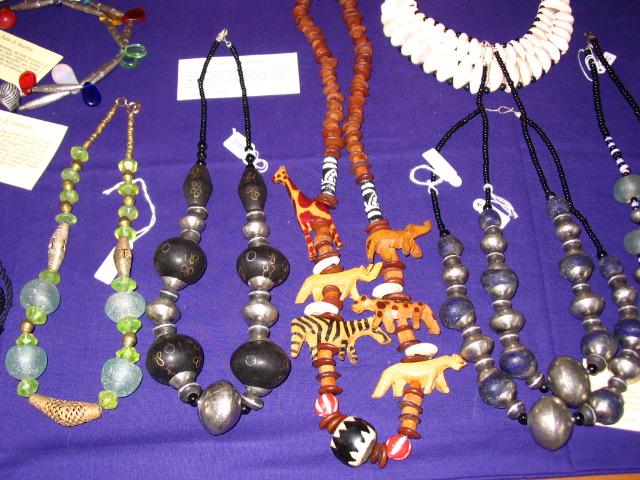 Foto gioielli africa centrale associazione tra me for Siti cinesi gioielli